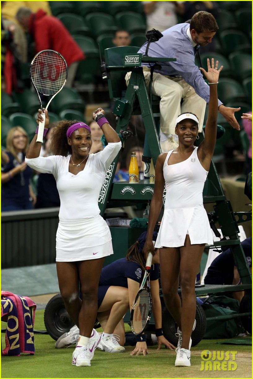 venus serena williams win wimbledon doubles crown 012684404