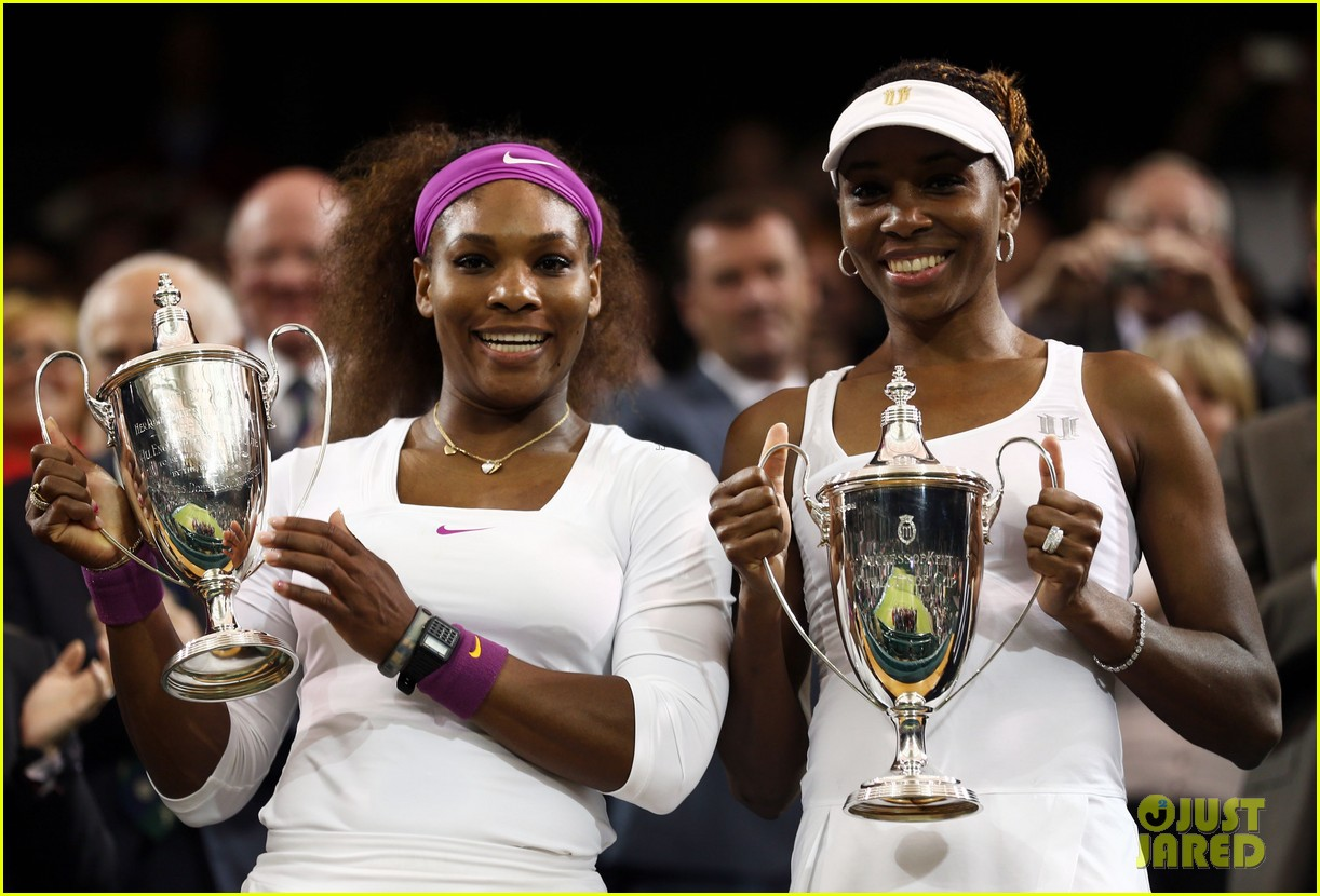 venus serena williams win wimbledon doubles crown 09