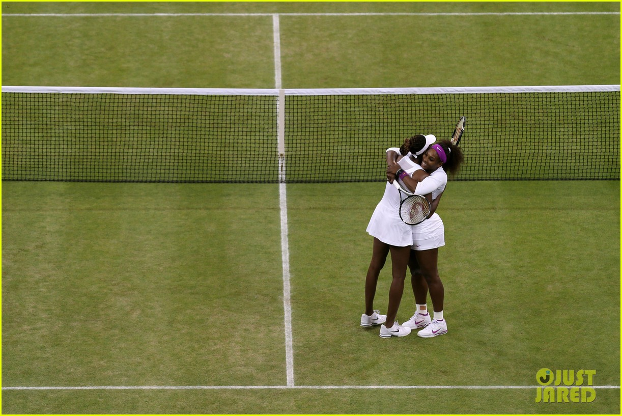 venus serena williams win wimbledon doubles crown 142684417