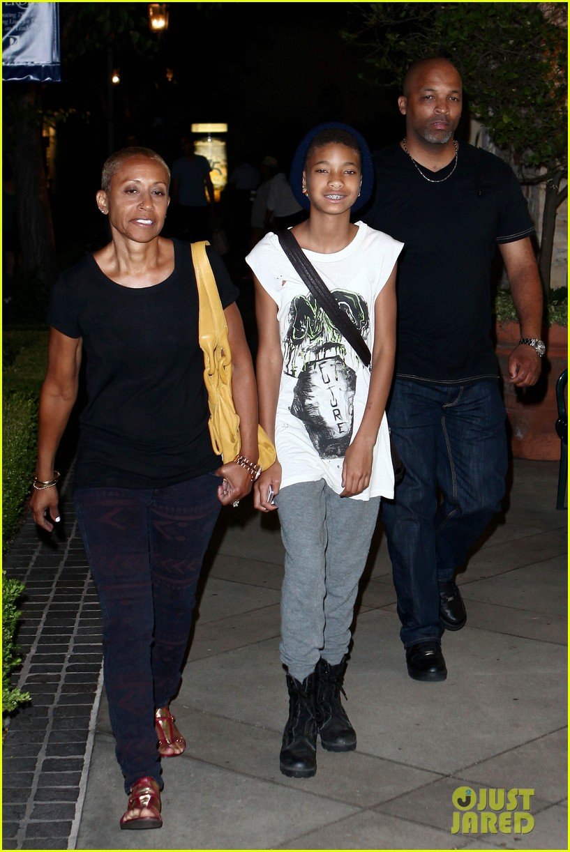 willow smith evening with grandma 01