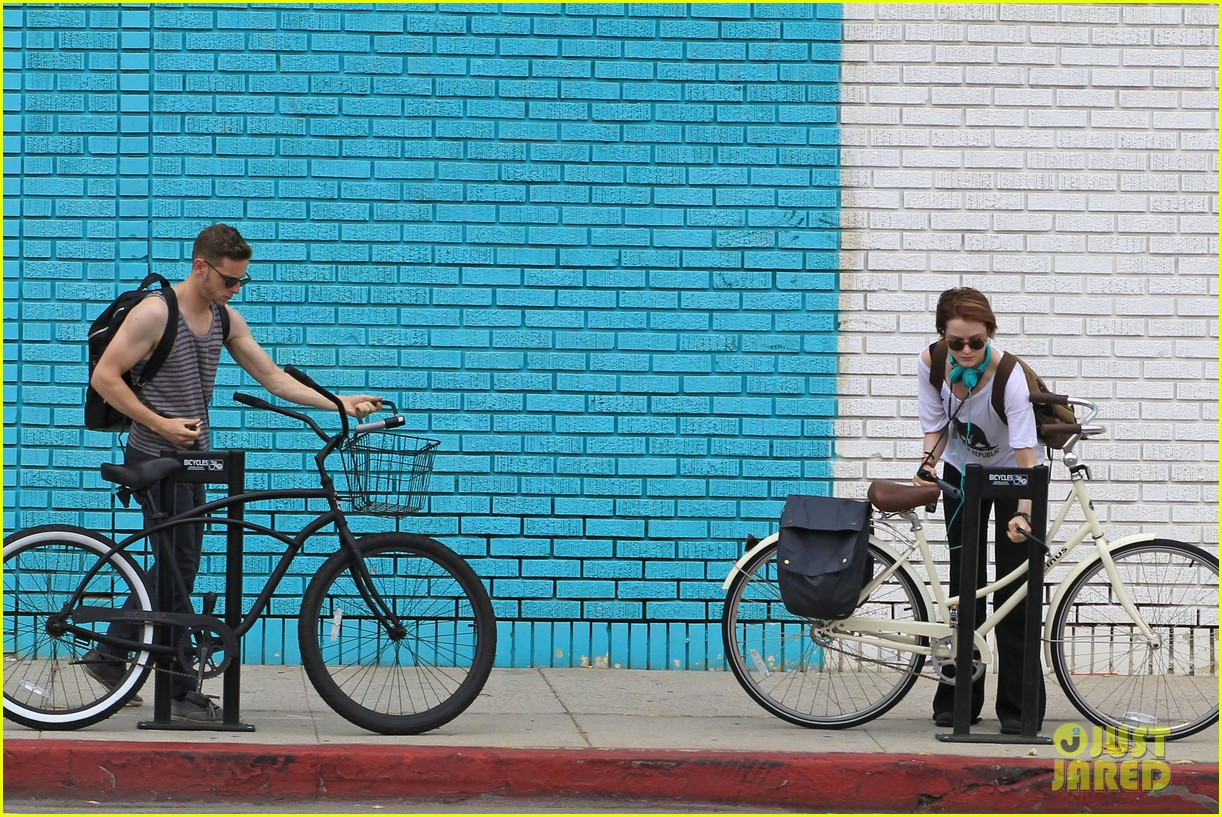 evan rachel wood biking jamie bell 10