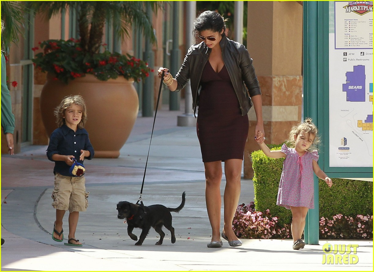 camila alves cold stone 24