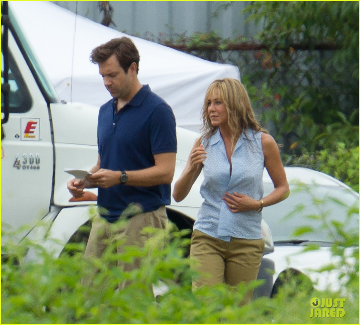 Jennifer Aniston Flashes Bra on 'We're The Millers' Set