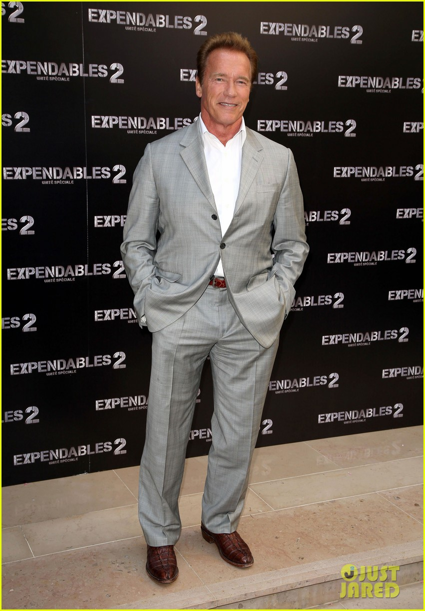 arnold schwarzenegger sylvester stallon expendables 2 paris photo call 01