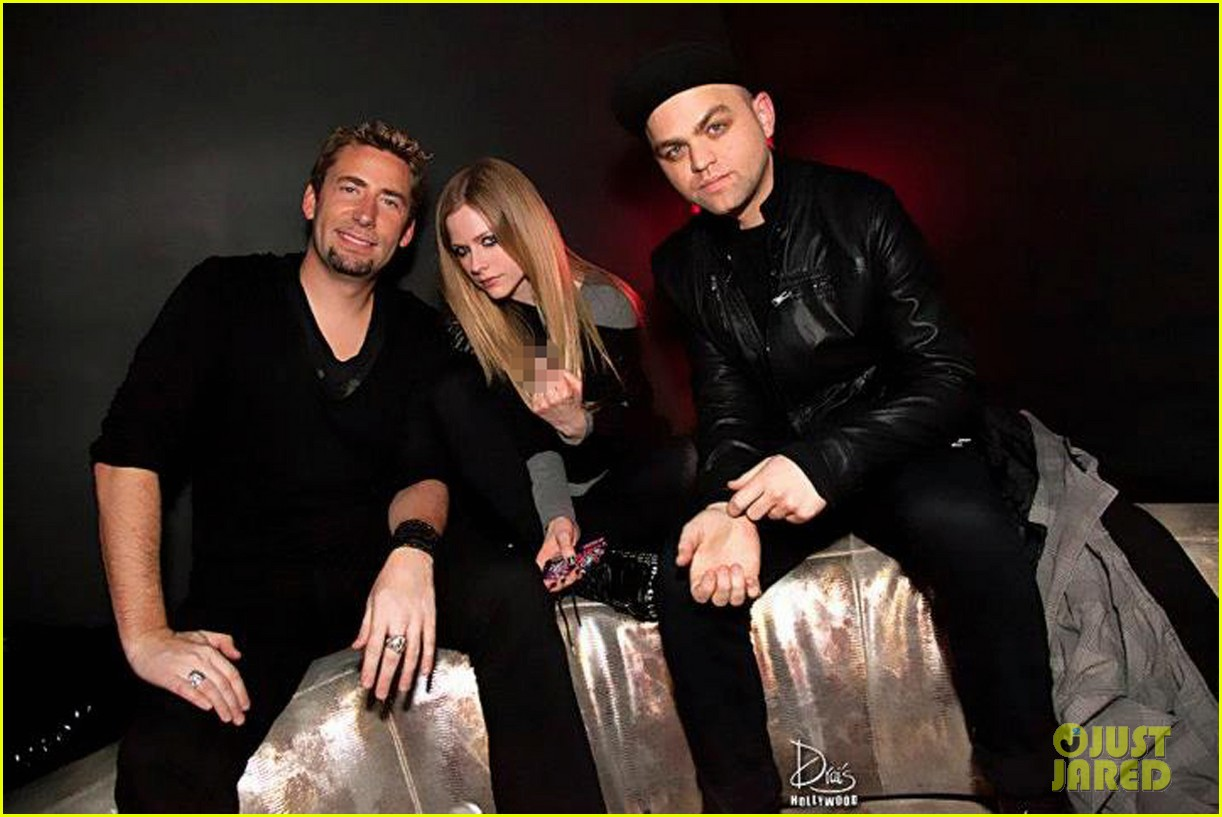 avril lavigne engaged chad kroeger 022706203