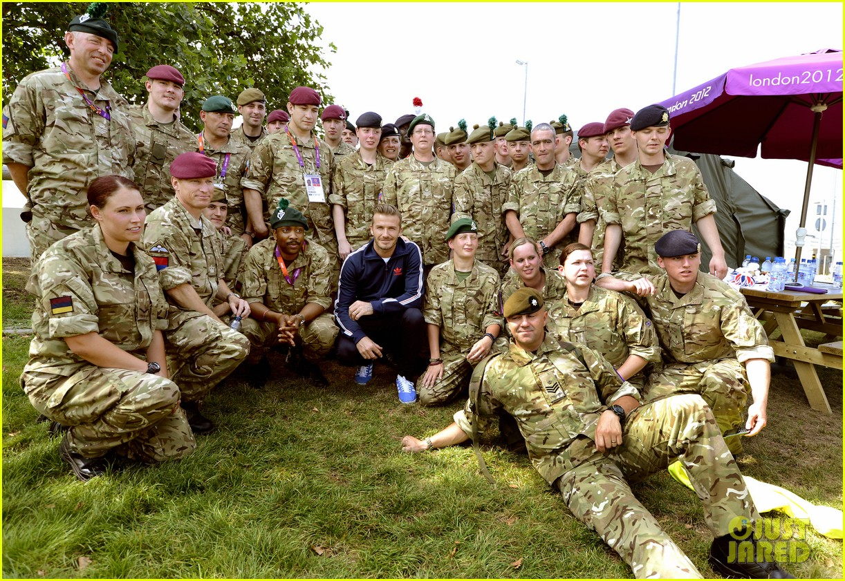 david beckham boys meet greet olympic guards 01