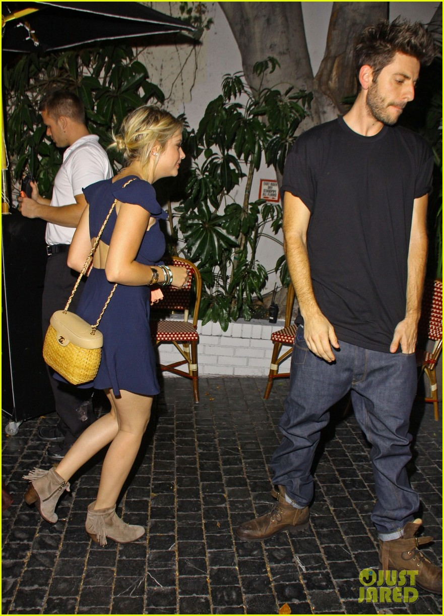 ashley benson chateau marmont exit 08