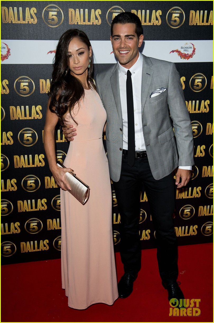 jordana brewster jesse metcalfe dallas launch party 03