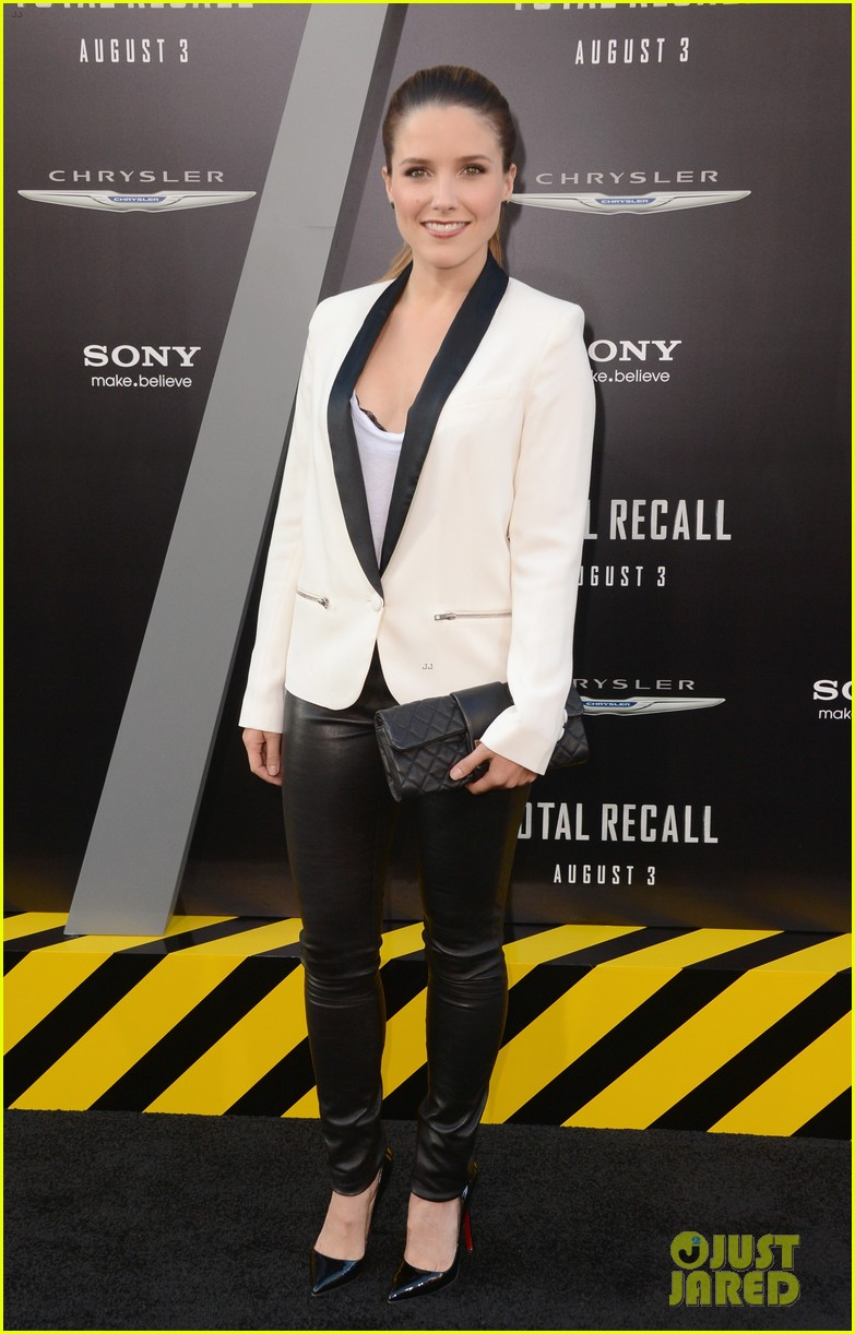 sophia bush total recall premiere 01