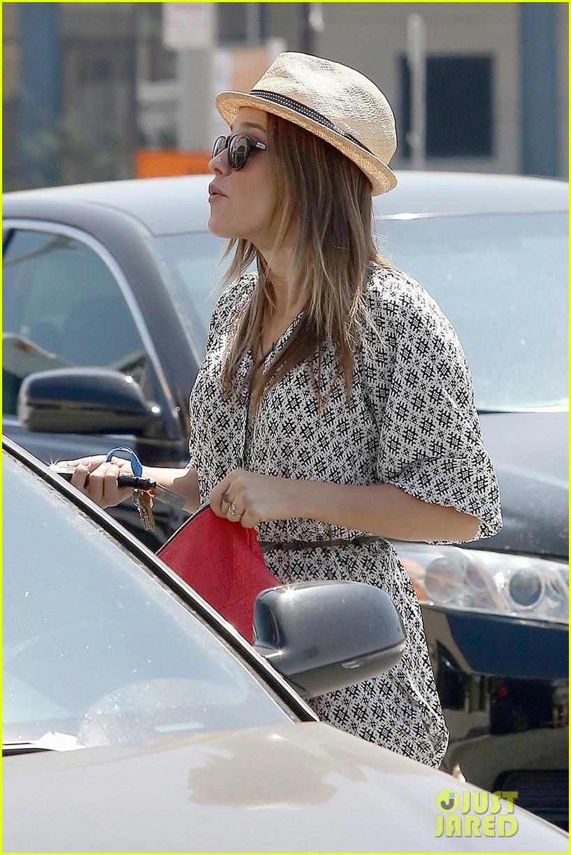 Sophia Bush goes vintage shopping, in Beverly Hills, CA. - 25.8. Sophia-bush-remembering-the-way-we-wore-15