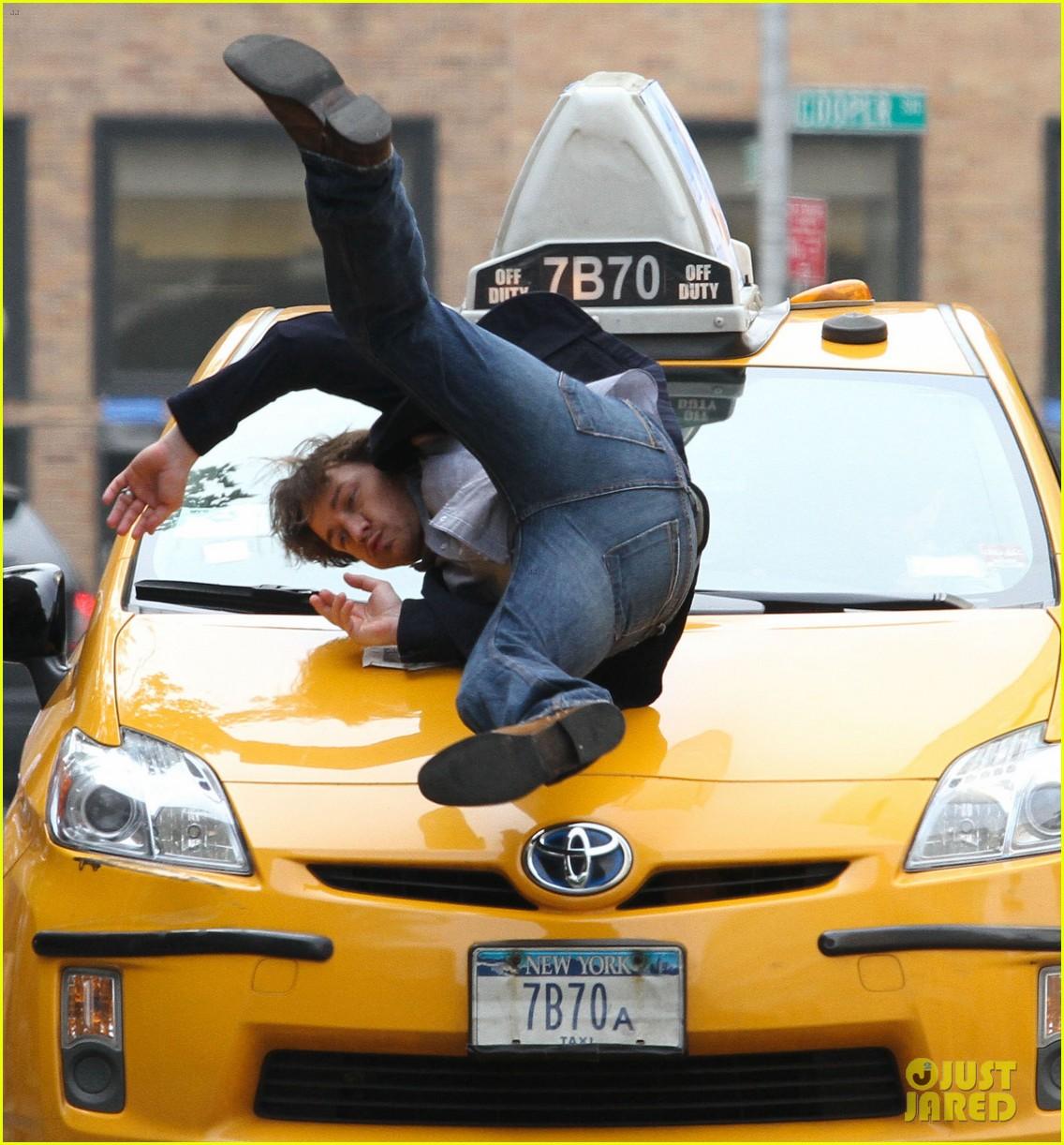 chastain cab scene 02