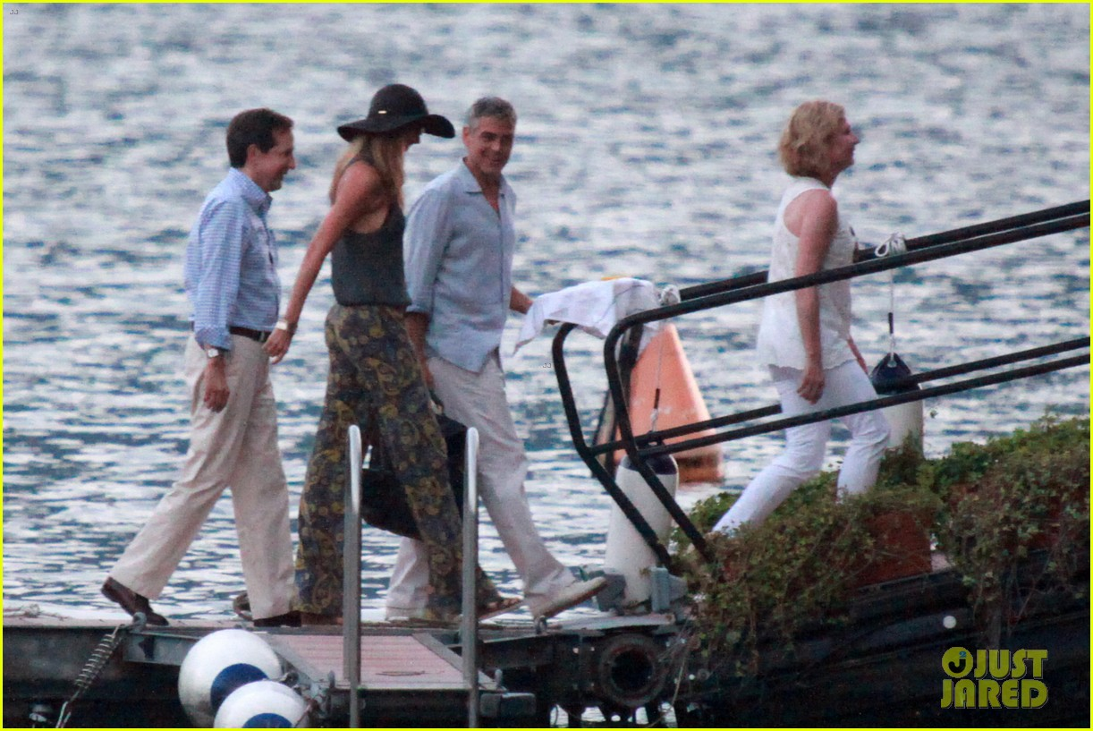 george clooney stacy keibler lake como boat ride 05