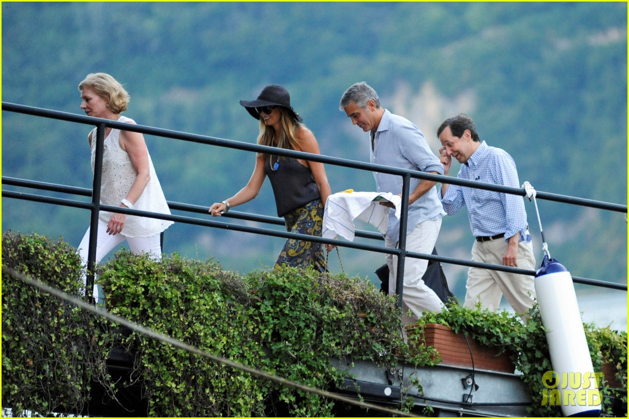 george clooney stacy keibler lake como boat ride 072699269