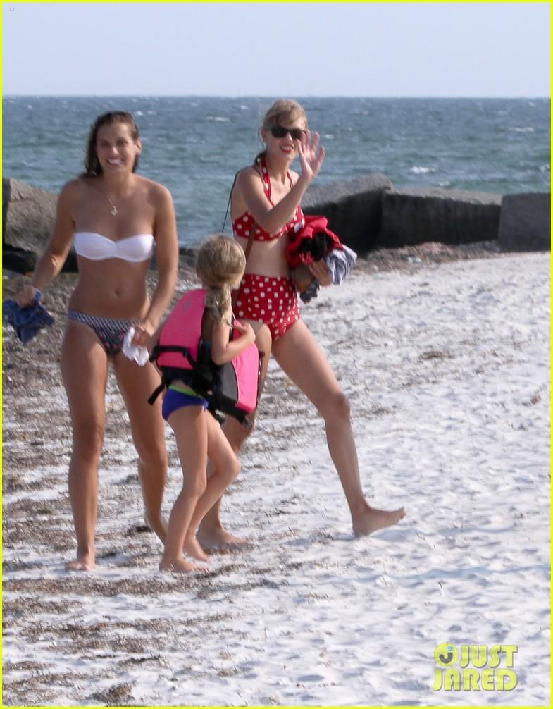 b76e3c0aa5 Taylor Swift  Bikini Day with Shirtless Conor Kennedy!  Photo 2704247