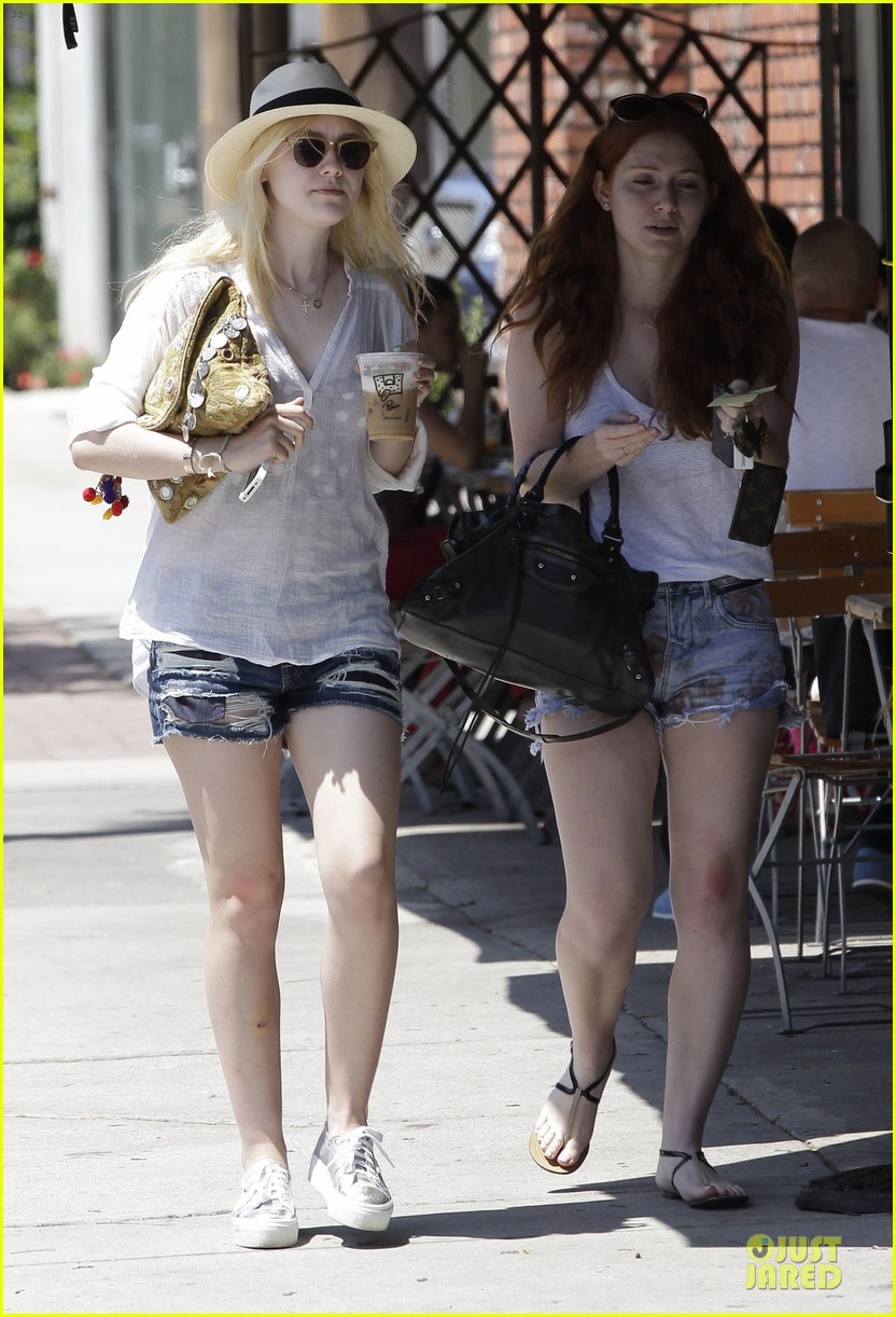 Jesse eisenberg dating dakota fanning