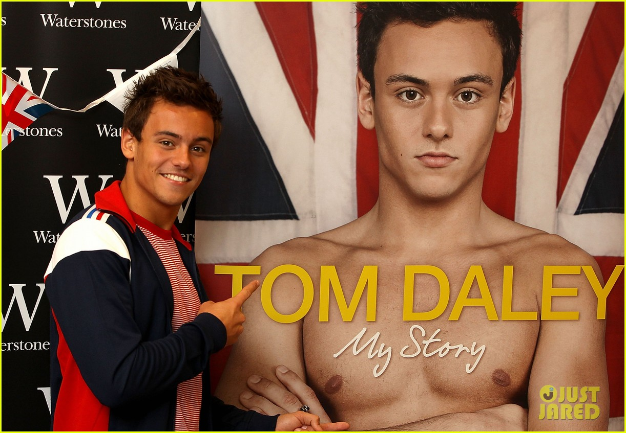 tom daley book signing 022703148