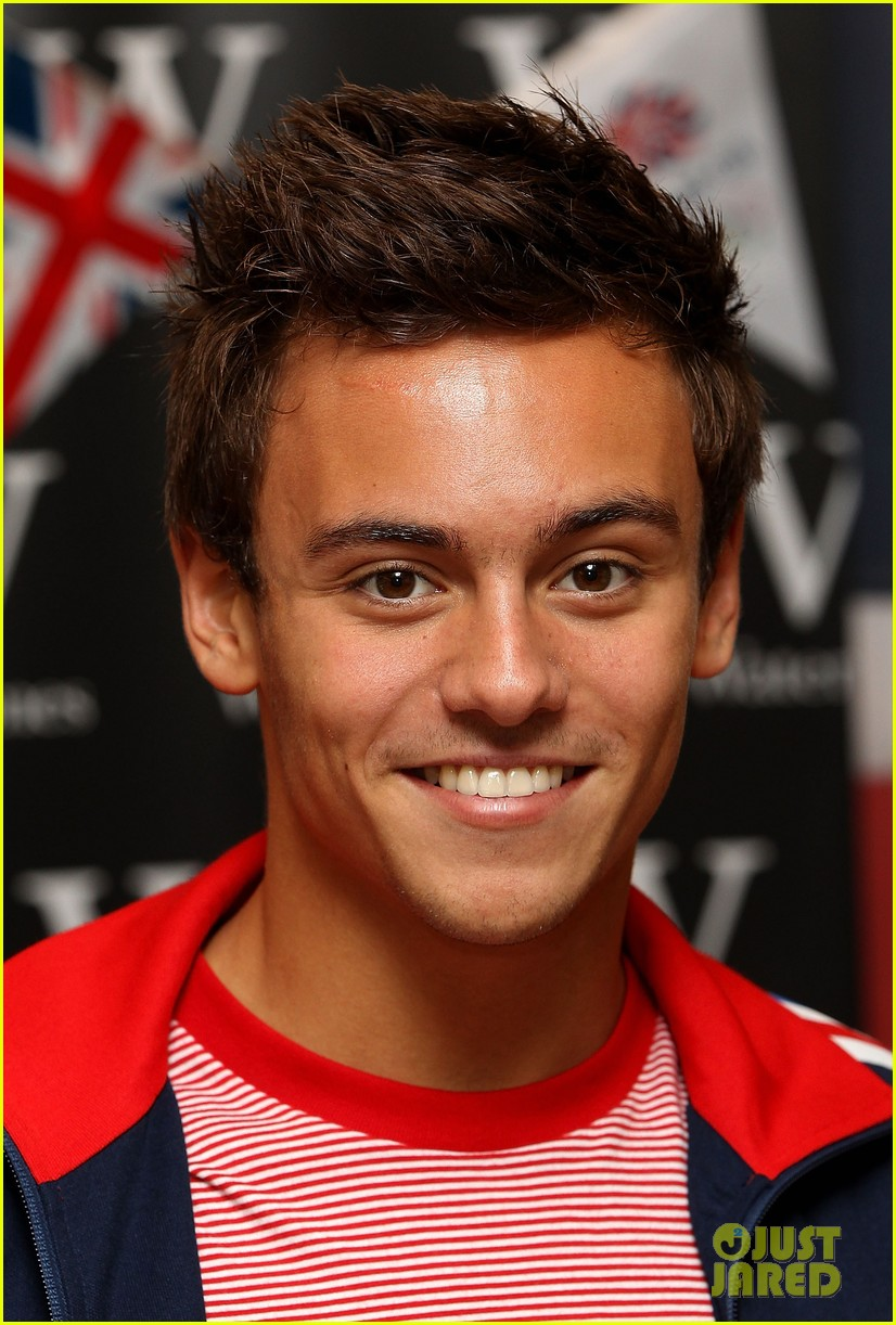 tom daley book signing 03