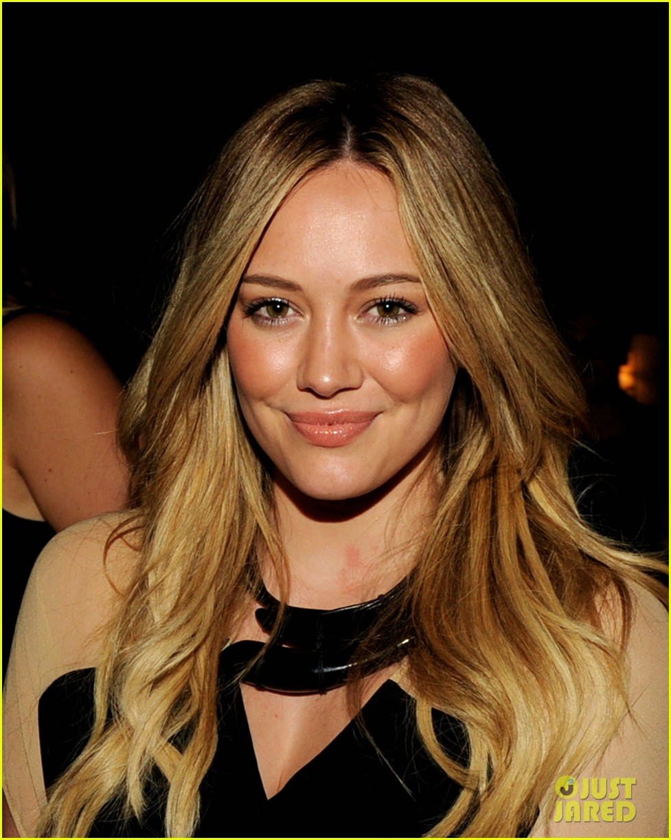 hilary duff mindy project party 03