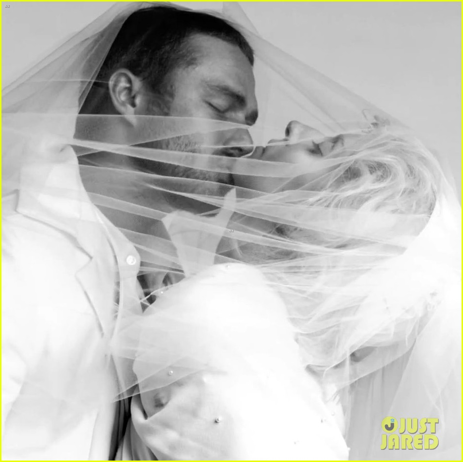 lady-gaga-taylor-kinney-fake-married-in-you-and-i-fashion-video-09 jpgTaylor Kinney You And I