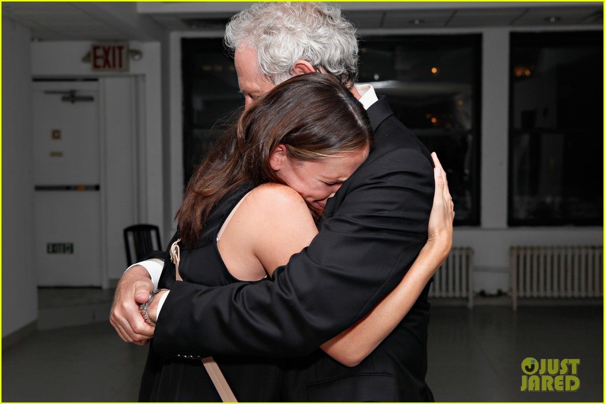 jennifer garner victor garber alias reunion in nyc 04