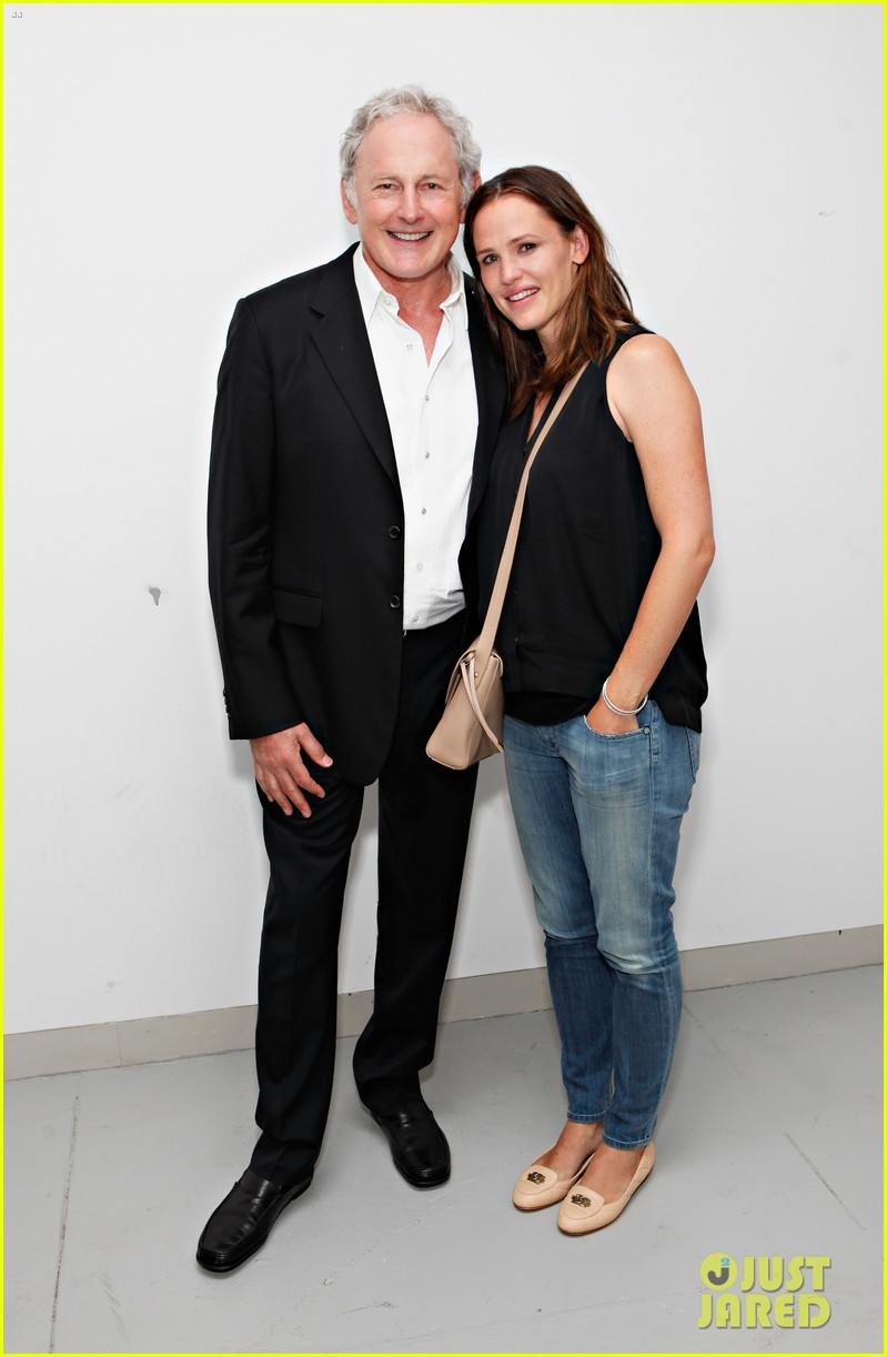 jennifer garner victor garber alias reunion in nyc 15