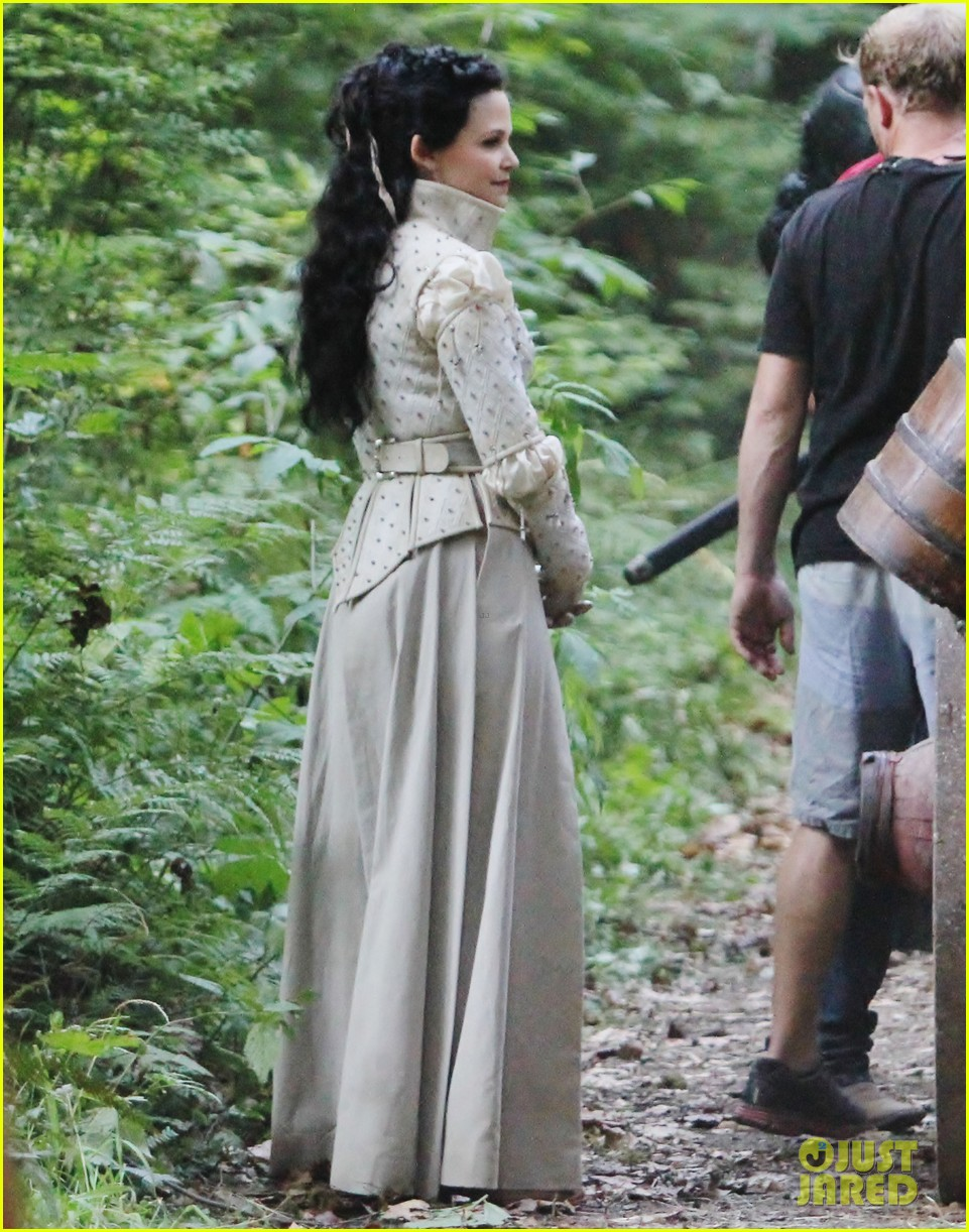 ginnifer goodwin josh dallas once costume 092699861