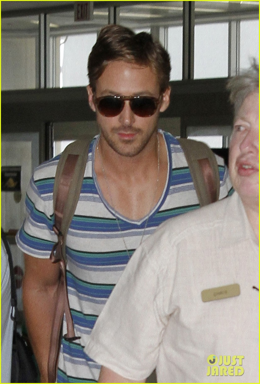 ryan gosling leaving new orleans 05