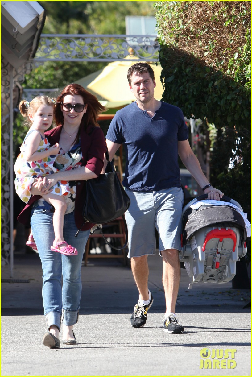 alyson hannigan a votre sante dinner with the family 012709769