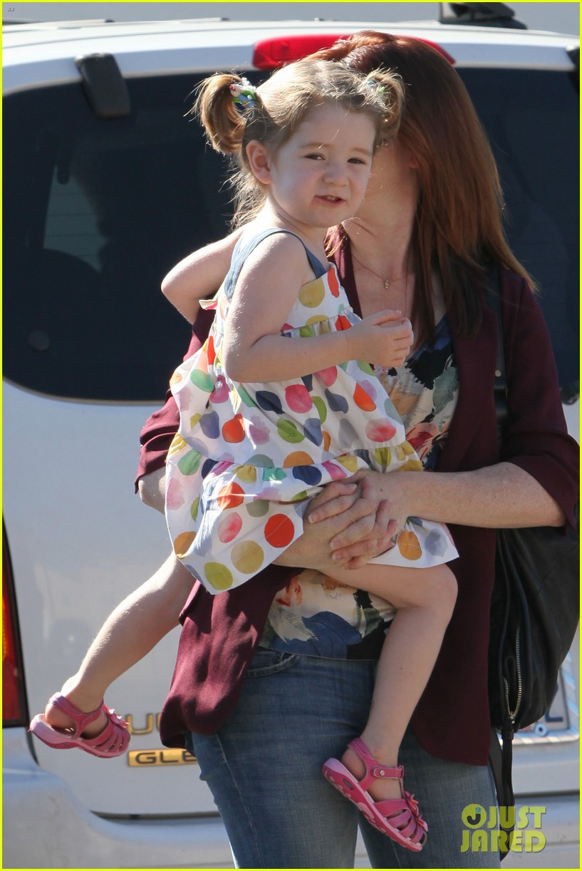 alyson hannigan a votre sante dinner with the family 04