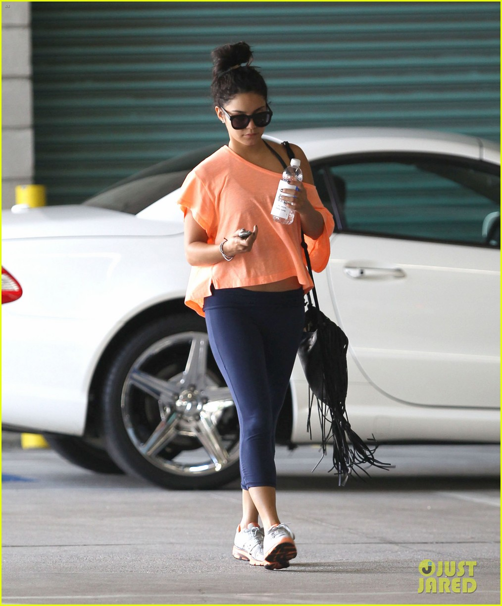 vanessa hudgens monday morning workout 112705439