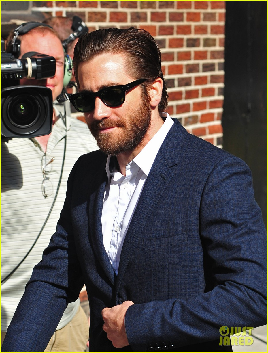 jake gyllenhaal late show appearance 02
