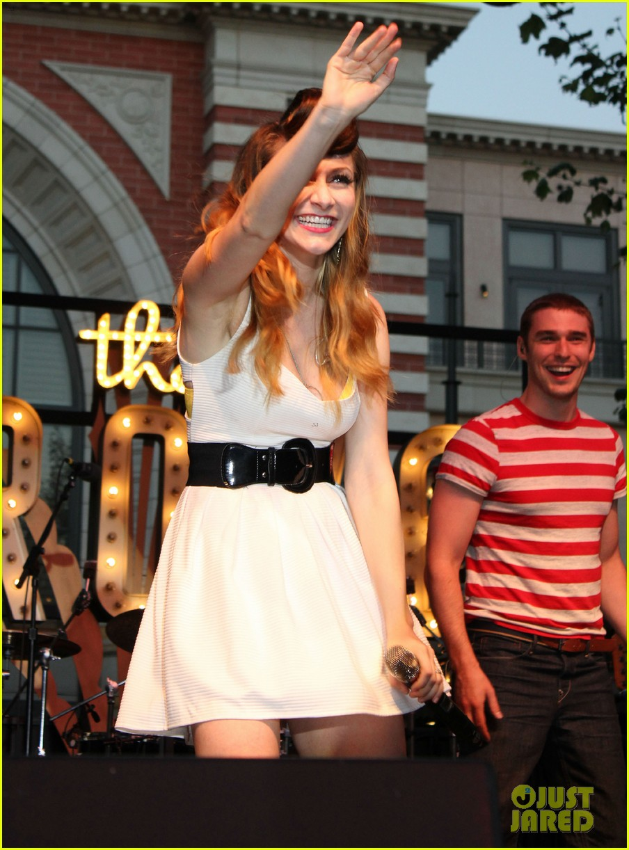 karmin the grove summer concert series 10
