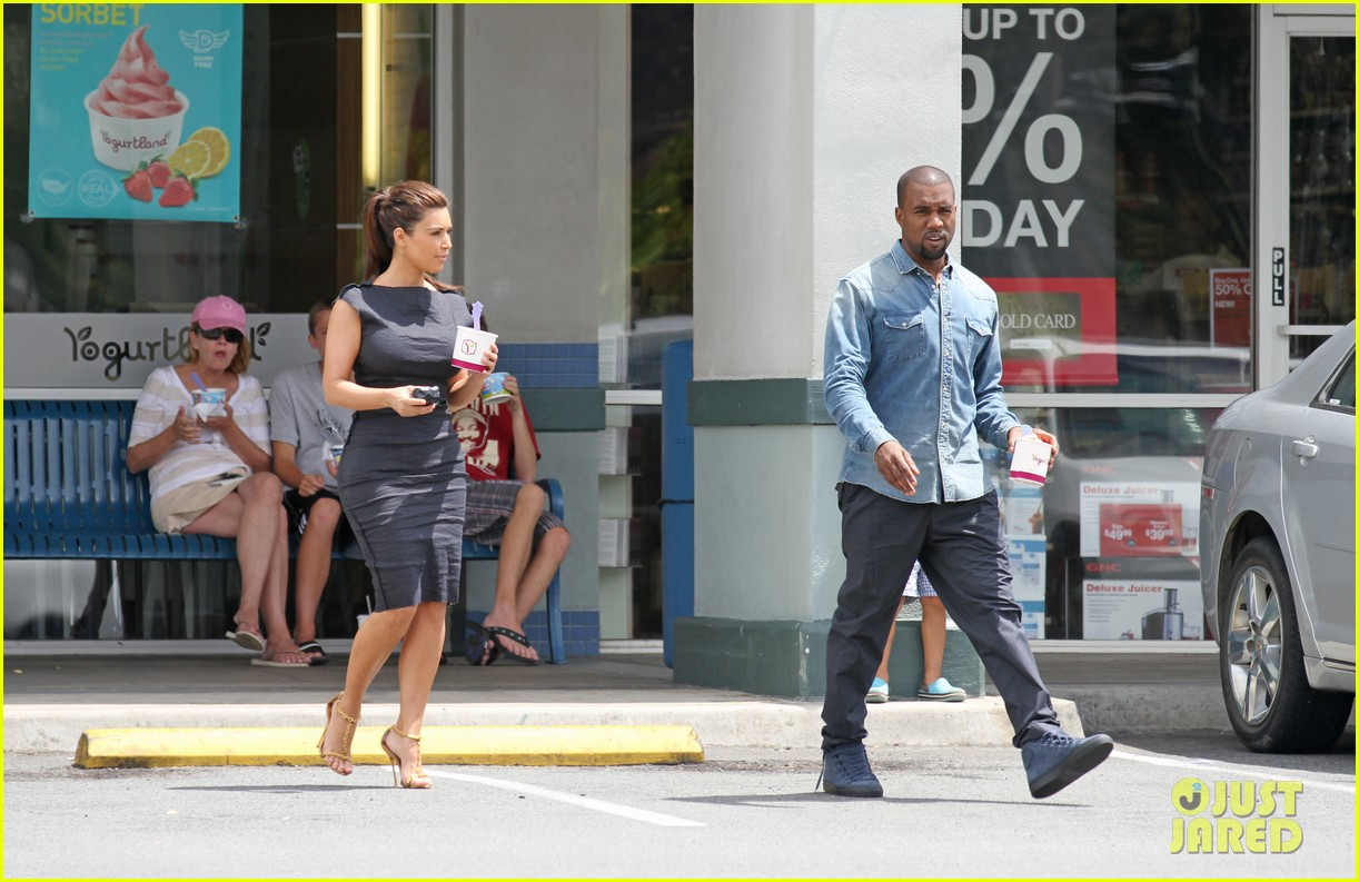 kim kardashian kanye west ice cream stop 04
