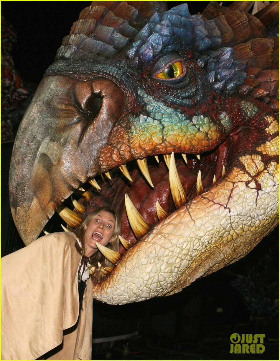 heidi klum gets eaten by a dragon 06