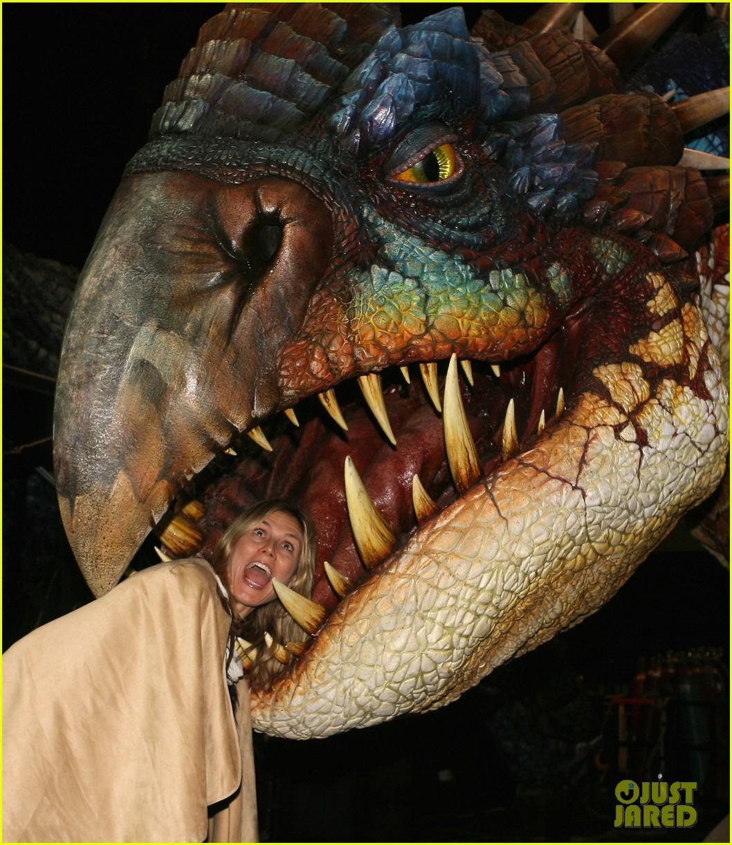 heidi klum gets eaten by a dragon 11