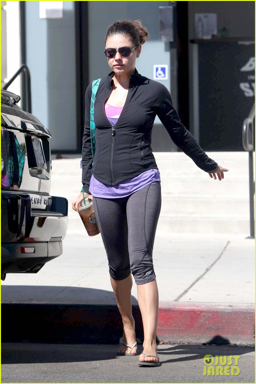 mila kunis blazing workout 03