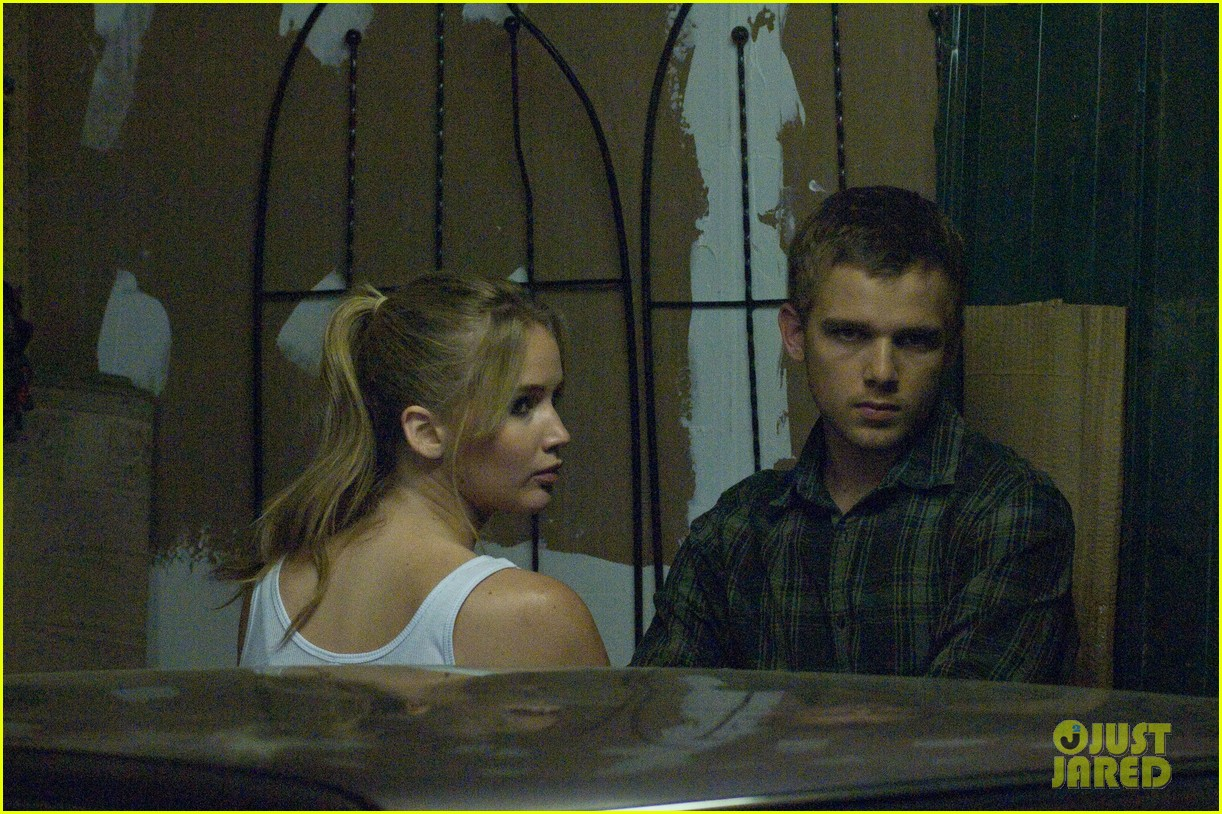 jennifer lawrence max thieriot house at the end of the street exclusive stills 03