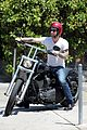 adam levine behati prinsloo mustard seed cafe couple 12
