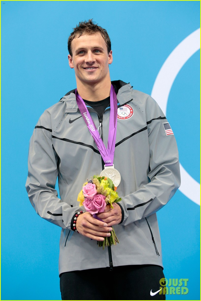ryan lochte celebrates birthday at london olympics 04