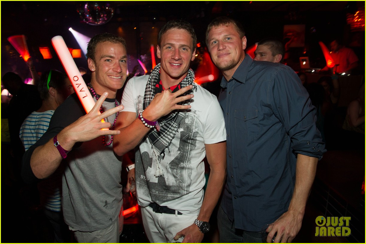 ryan lochte las vegas pool party weekend 14