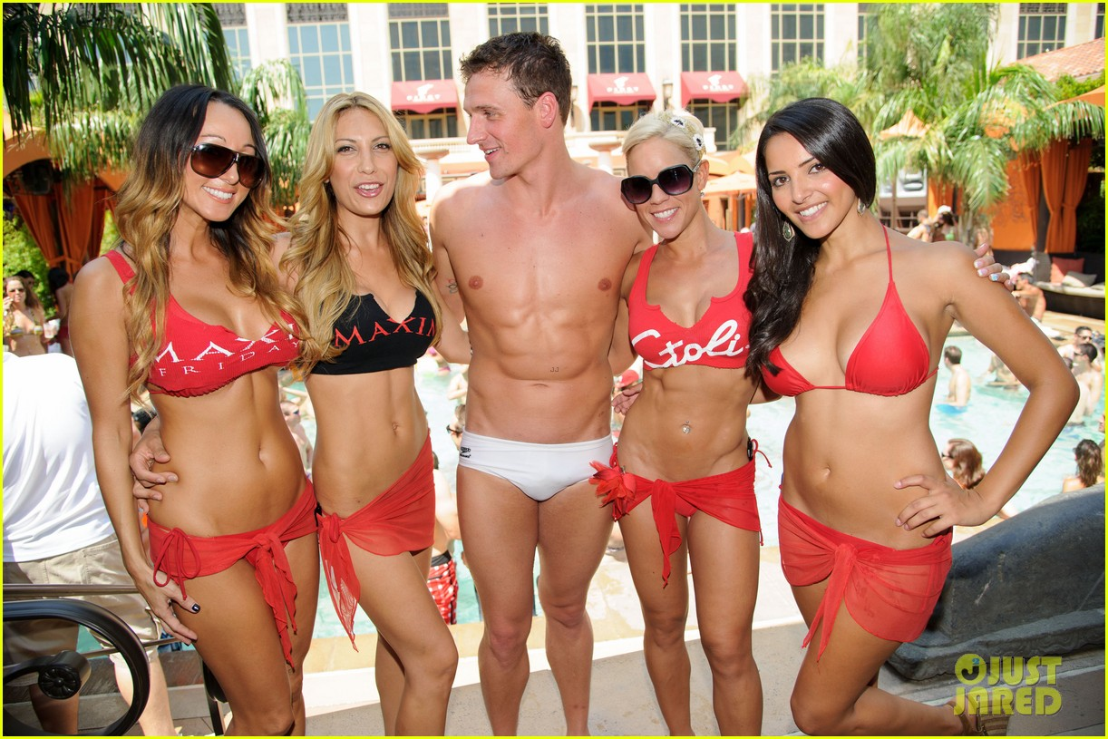 ryan lochte las vegas pool party weekend 26