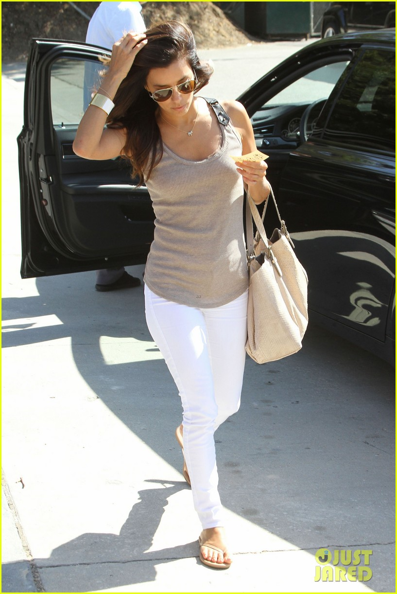 eva longoria salon stop in studio city 09