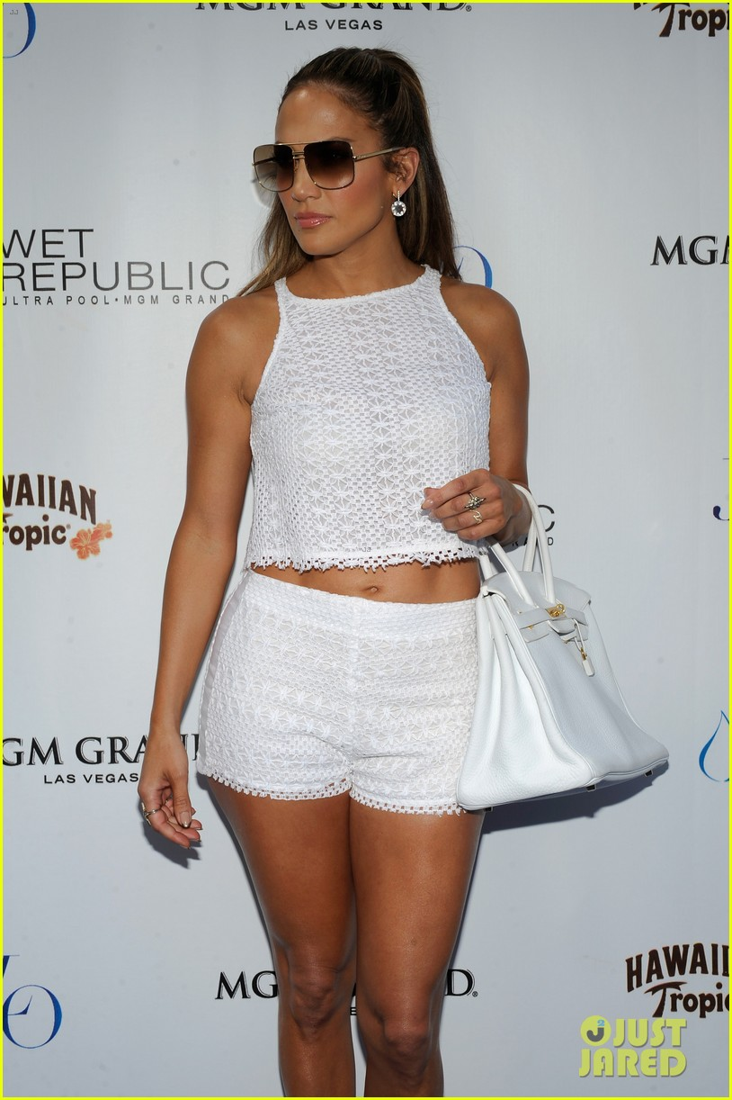 jennifer lopez wet republic pool appearance 12