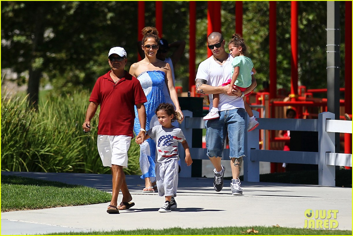 jennifer lopez casper smart going strong in calabasas 13
