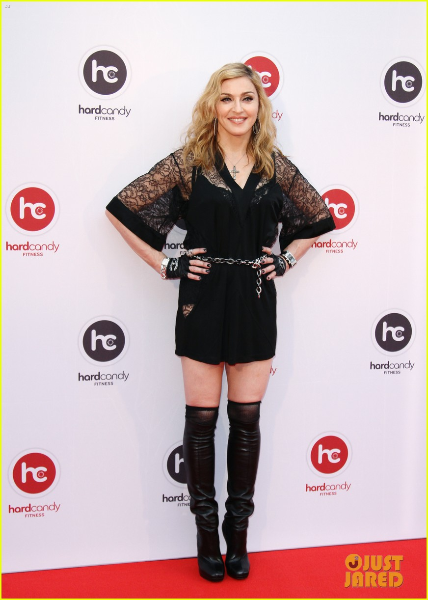madonna visits hard candy fitness in russia 012698099