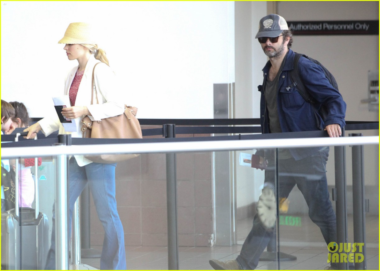 rachel mcadams michael sheen lax airport 13