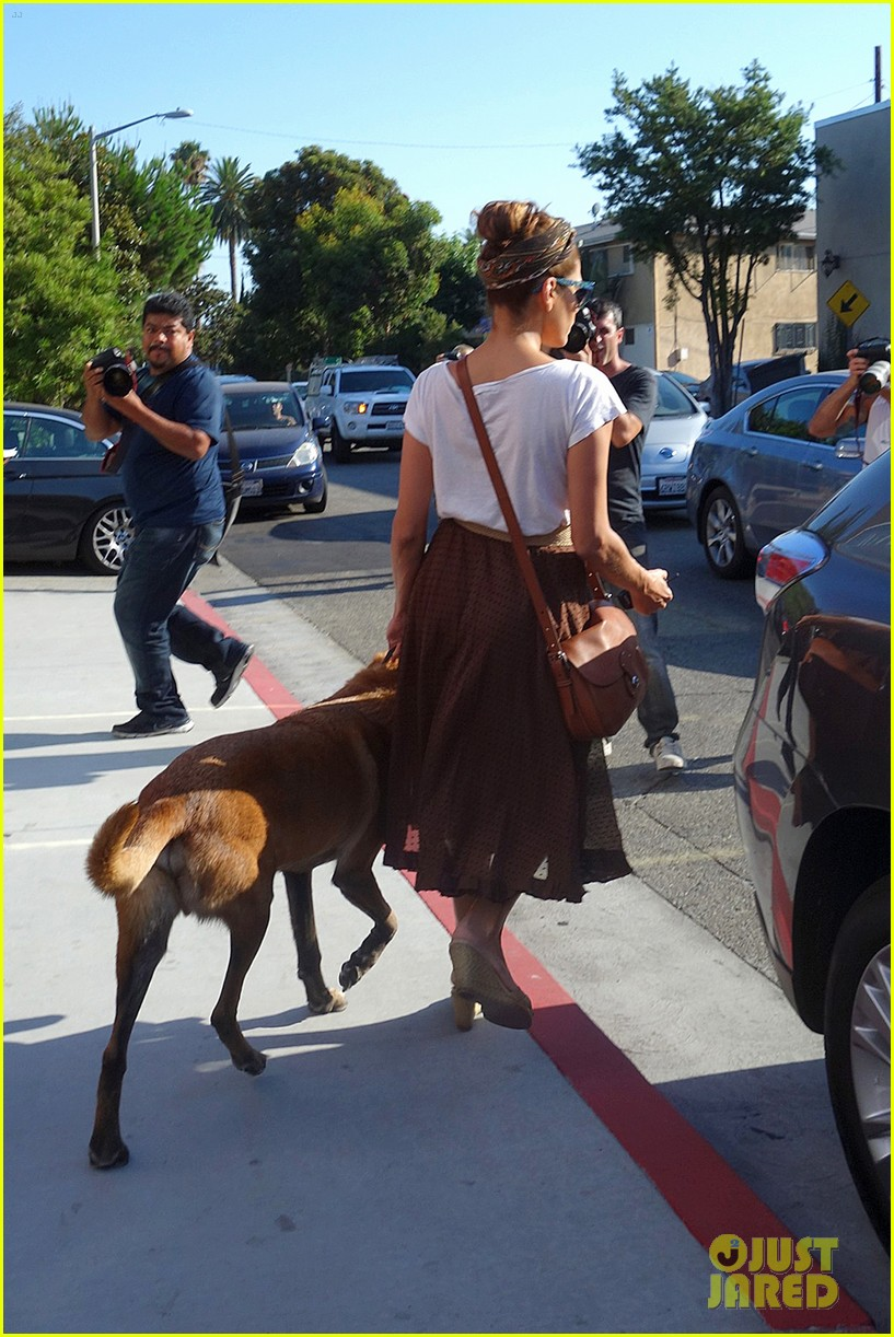 eva mendes errands with hugo 102705647