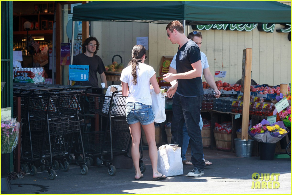 lea michele birthday grocery run with cory monteith 112710612