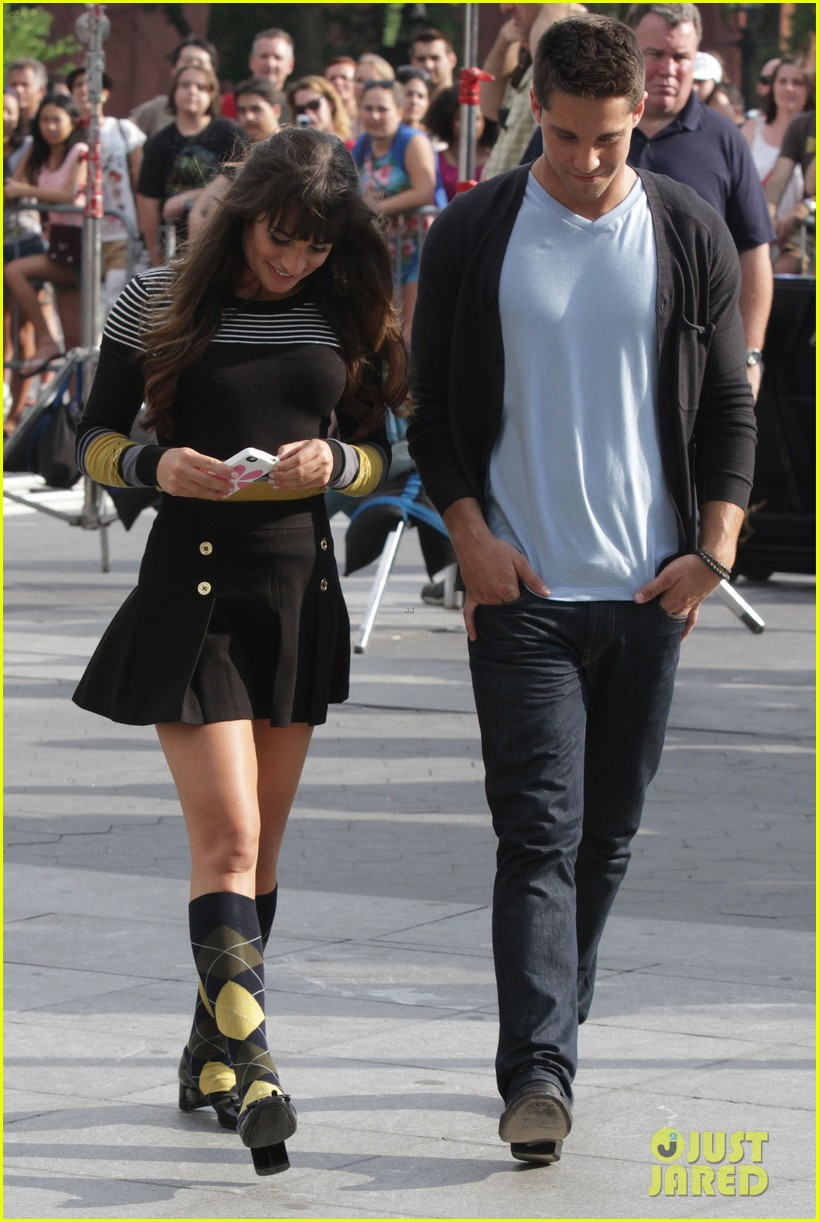 lea michele glee day with dean geyer 15