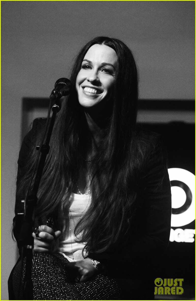 alanis morissette album listening party 052705911